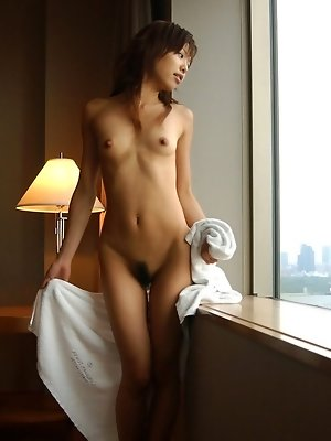 Naughty Sunao plays in her bathtub readying for her horny date with a friend